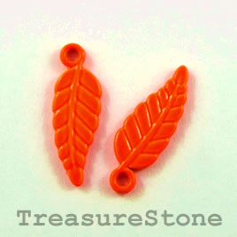 Charm, brilliant orange, metal, 7x16mm leaf. Pkg of 8.