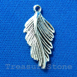 Pendant/charm, silver-finished,15x27mm leaf. Pkg of 5.