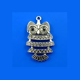 Pendant, silver-finished, 30mm Owl. Pkg of 2.