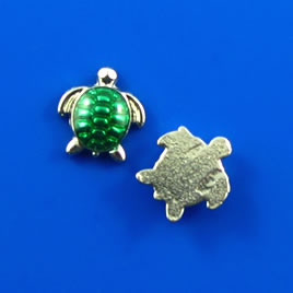 Floating charm, silver-finished, 10mm green turtle. Pkg of 8.