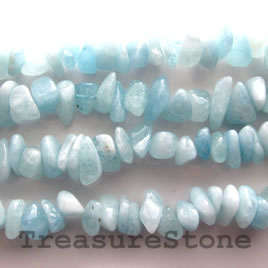 Bead, aquamarine, large chip, 16-inch strand
