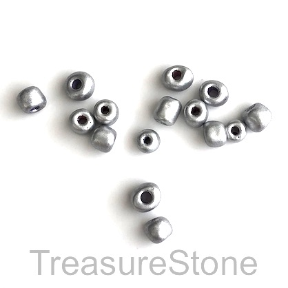 Bead, glass, silver, about 4mm. 100pcs