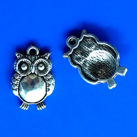 Pendant/charm, silver-finished, 15x19mm owl. Pkg of 5.