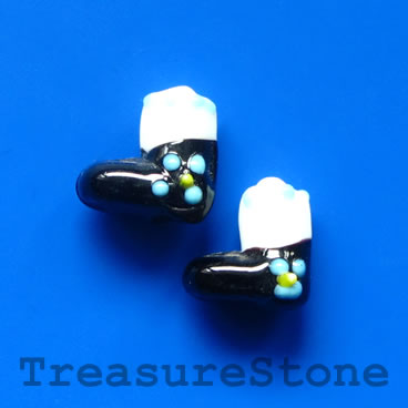 Bead, lampwork, black 1, 13mm Christmas stockings. Pkg of 5.