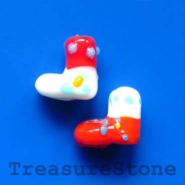 Bead, lampwork, red, 13mm Christmas stockings. Pkg of 5.