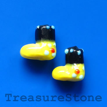 Bead, lampwork,yellow 1, 13mm Christmas stockings. Pkg of 5.