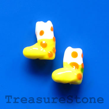 Bead, lampwork,yellow 2, 13mm Christmas stockings. Pkg of 5.