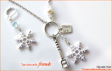 """Snow Love"" necklace and earrings kit"